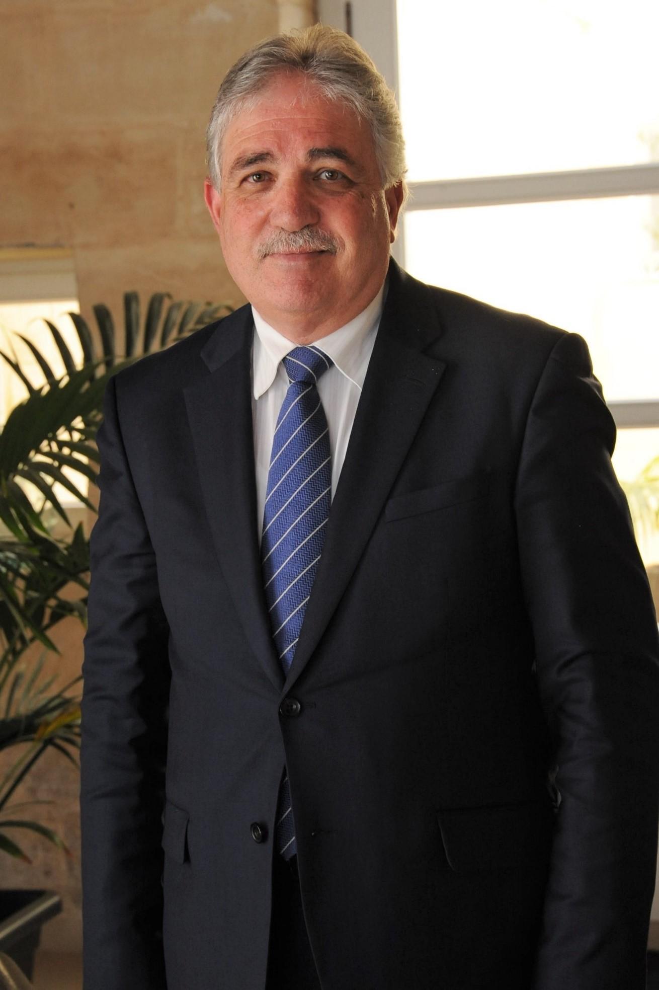 Cựu cục trưởng cục di trú Malta