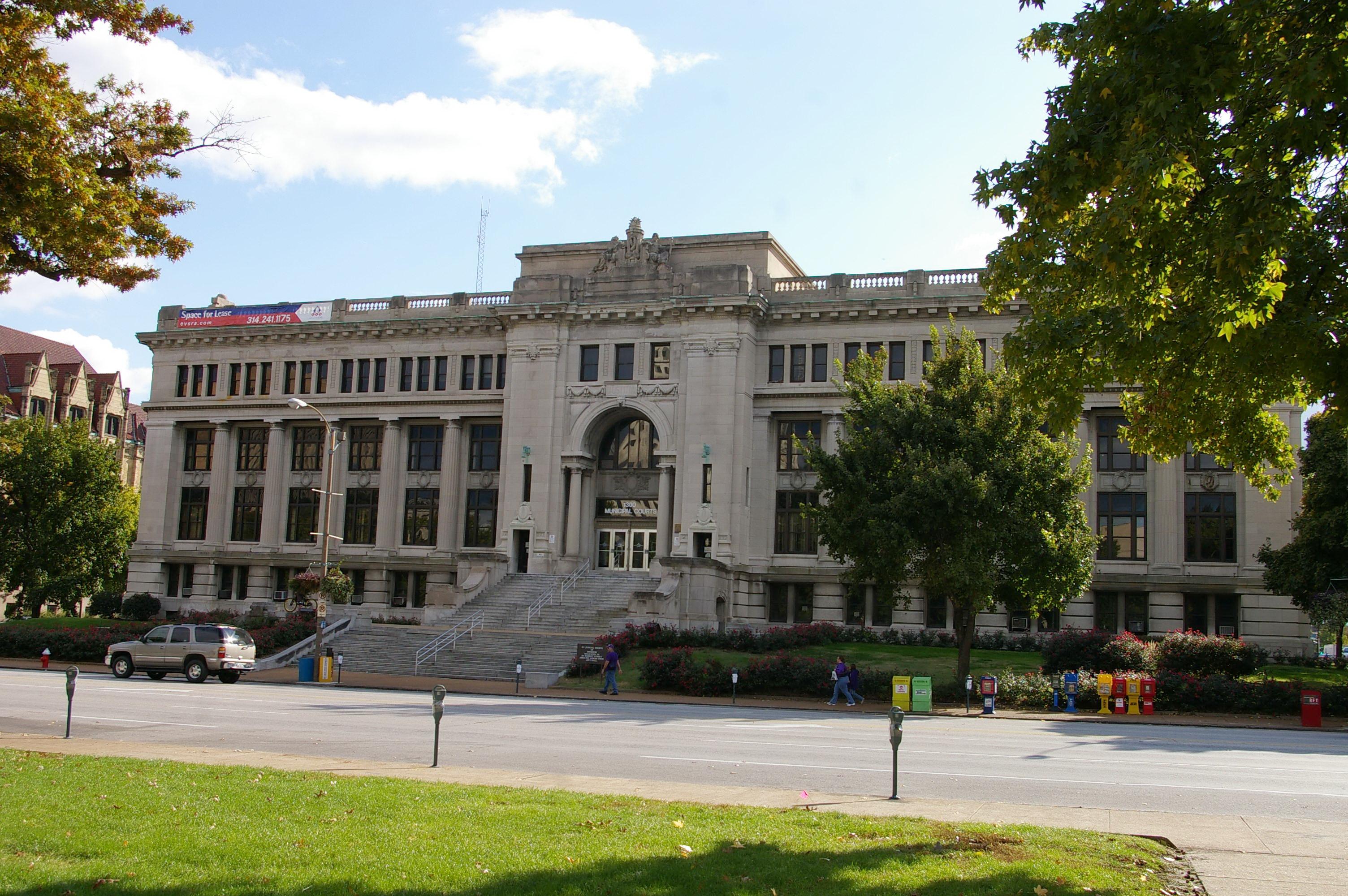 dự án trùng tu tòa án hội đồng thành phố