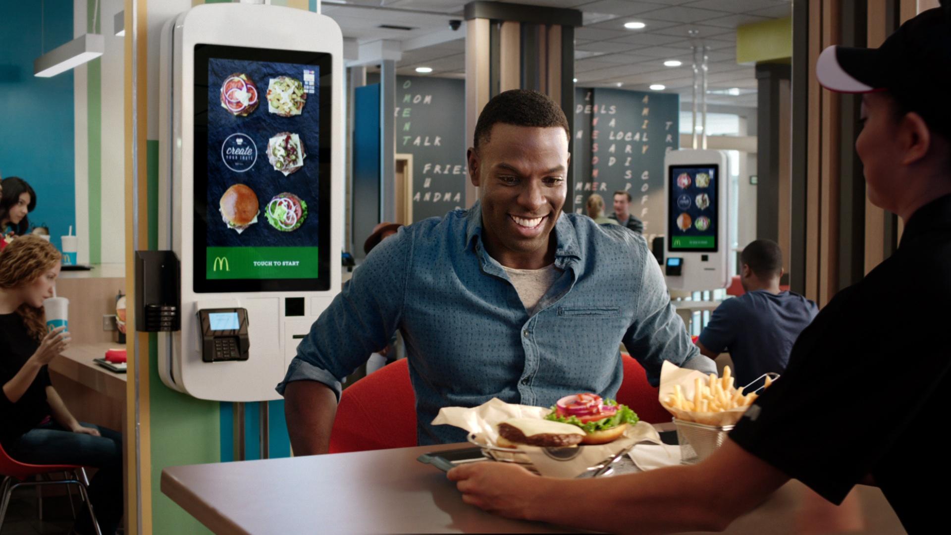 Tinh thần phục vụ khách hàng của người Mỹ là phương châm tồn tại và phát triển