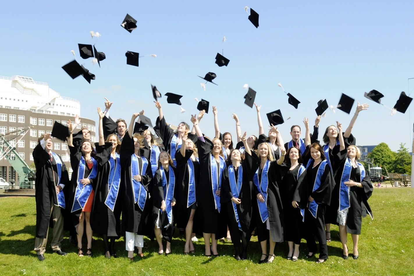 Sinh viên tốt nghiệp đại học Ireland được thế giới công nhận và đánh giá cao