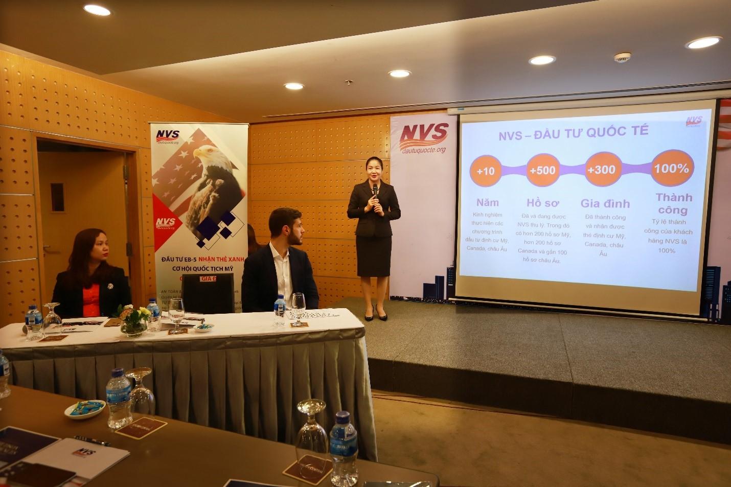 CEO NVS Trịnh Thị Thanh Nhàn trao đổi tại hội thảo định cư Mỹ EB5
