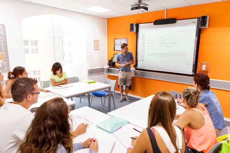 Trường học tư thục ở Malta