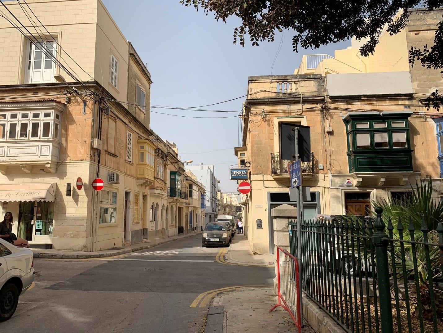 Đường phố cổ kính và xinh đẹp - Hình trong chuyến khảo sát của NVS