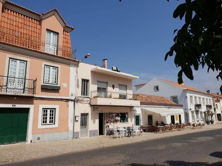 Đường phố sạch đẹp và yên bình ngay tại thủ đô Lisbon