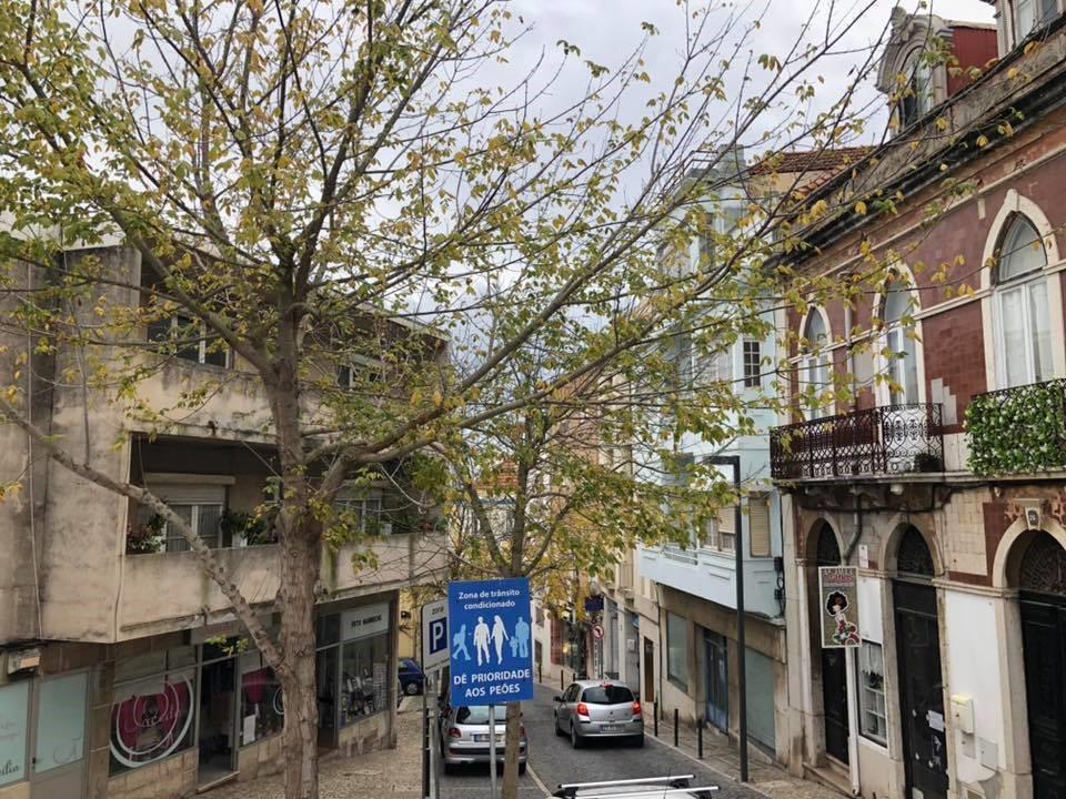 Góc phố Bồ Đào Nha bình yên