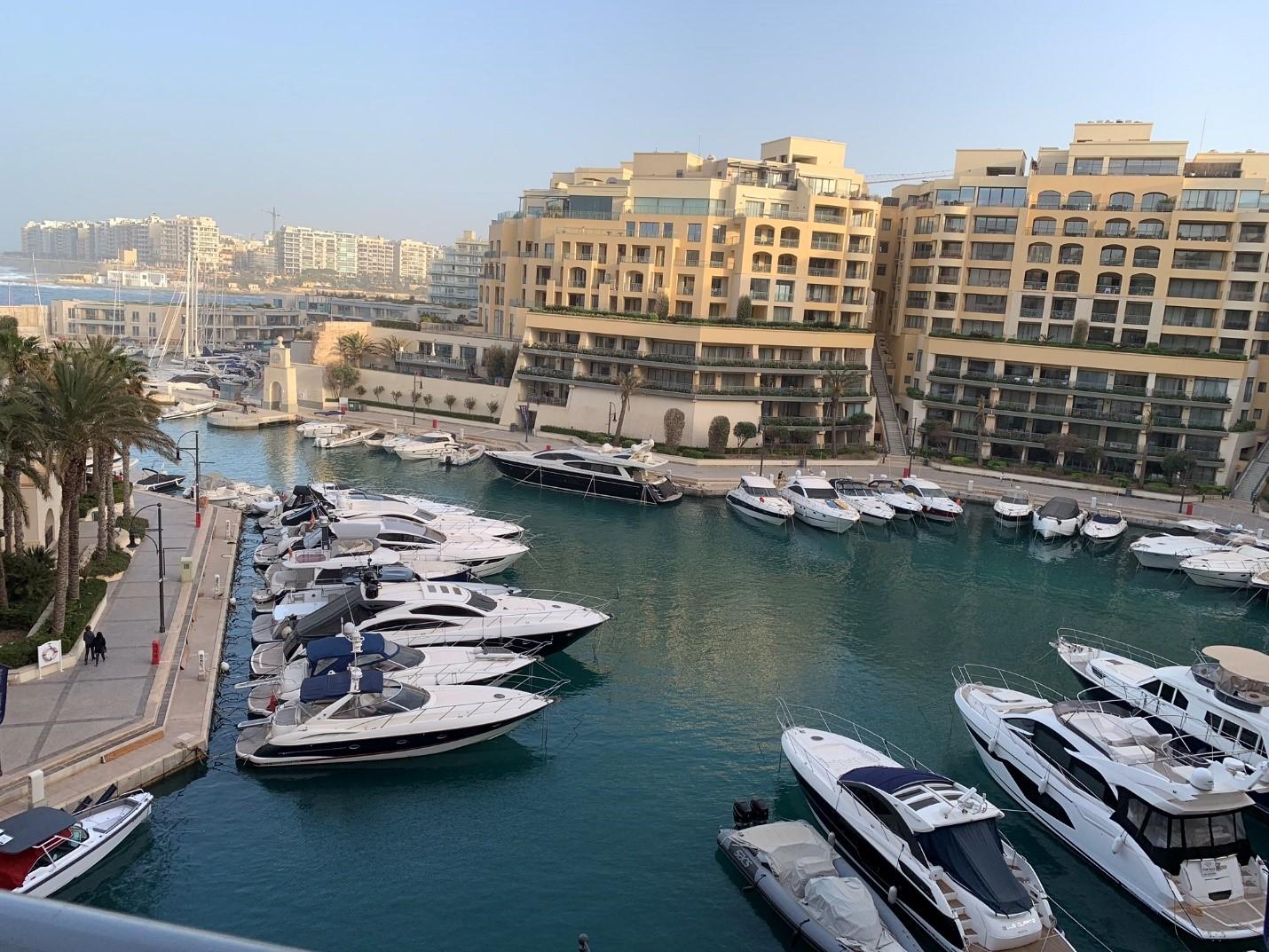 Quốc đảo Malta hiện đại tựa Singapore – Hình trong chuyến khảo sát của NVS