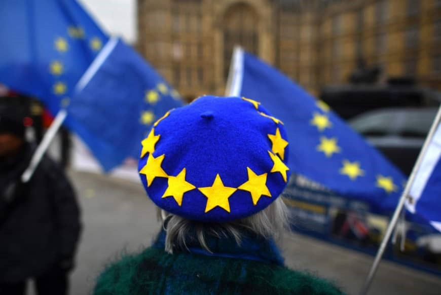 Có thể sẽ không còn dễ dàng định cư Châu Âu trong tương lai