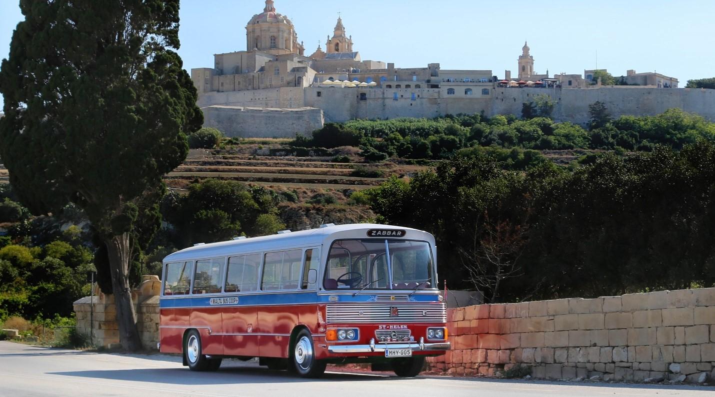 xe bus ở Malta