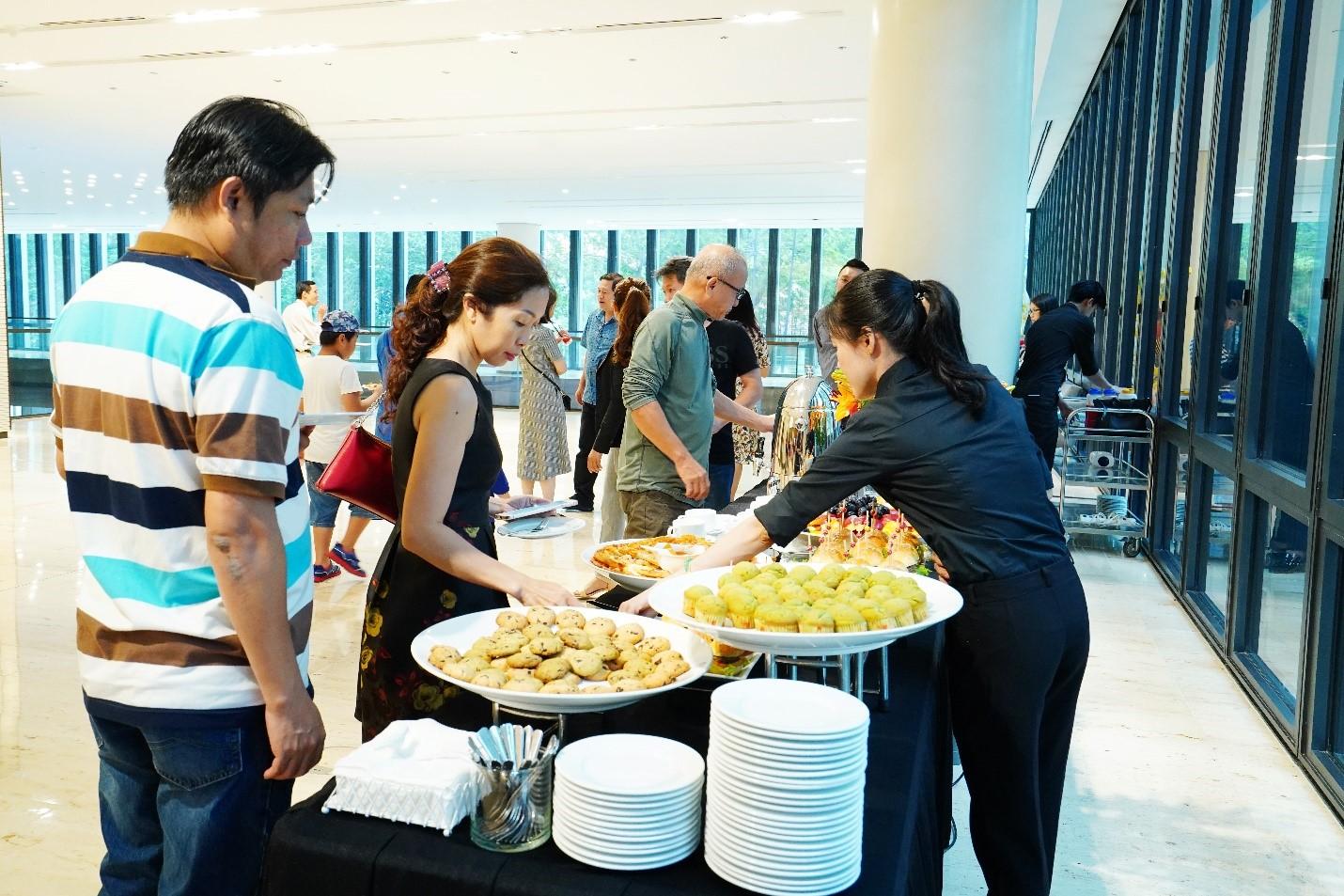 Hội thảo có buổi teabreak giữa giờ với các món ăn nhẹ