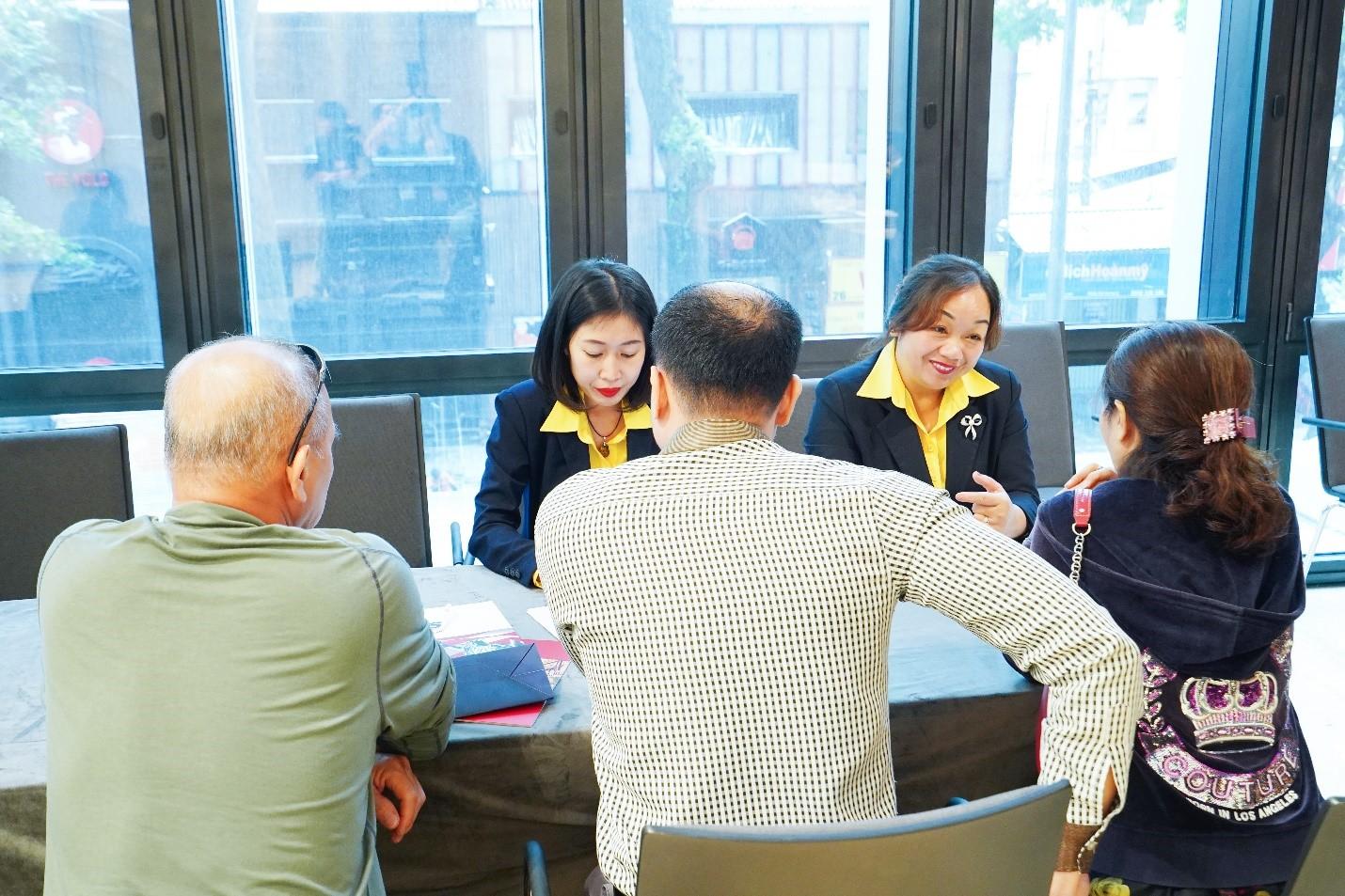 Nhiều nhà đầu tư quan tâm và tham gia tư vấn riêng & đặt cọc sau Hội thảo