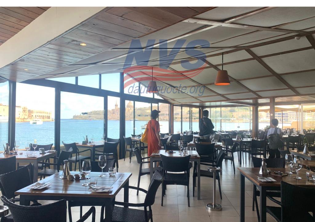 Một nhà hàng ven biển sở hữu view tuyệt đẹp tại Malta