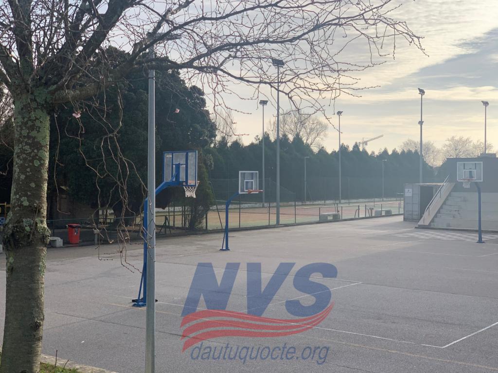 Sân bóng rổ cho học sinh