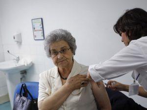Bồ Đào Nha tiêm 2 triệu liều vắc-xin cúm