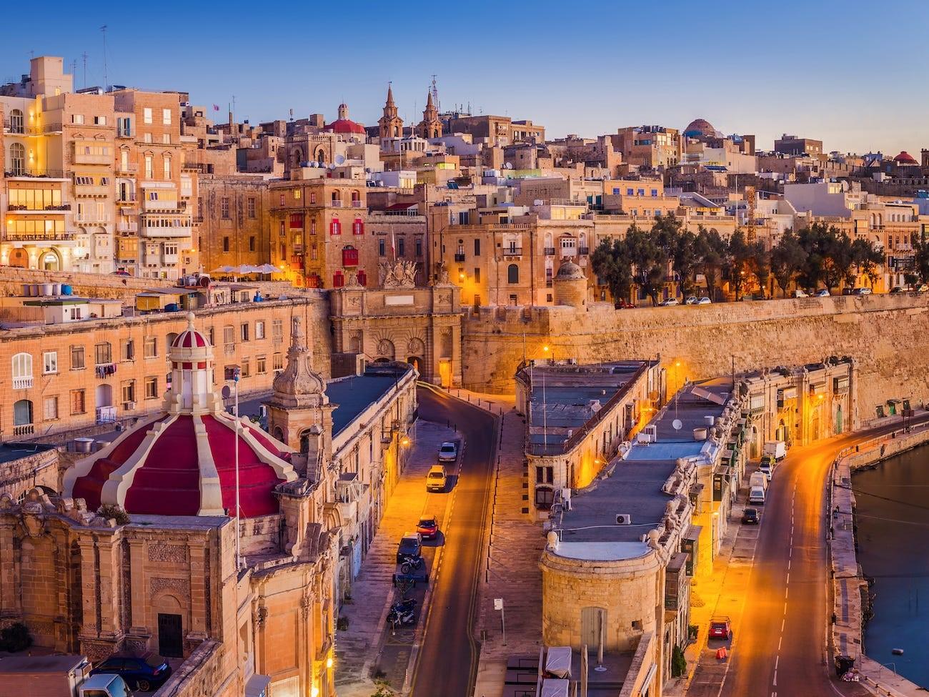 chi phí để có quốc tịch Malta