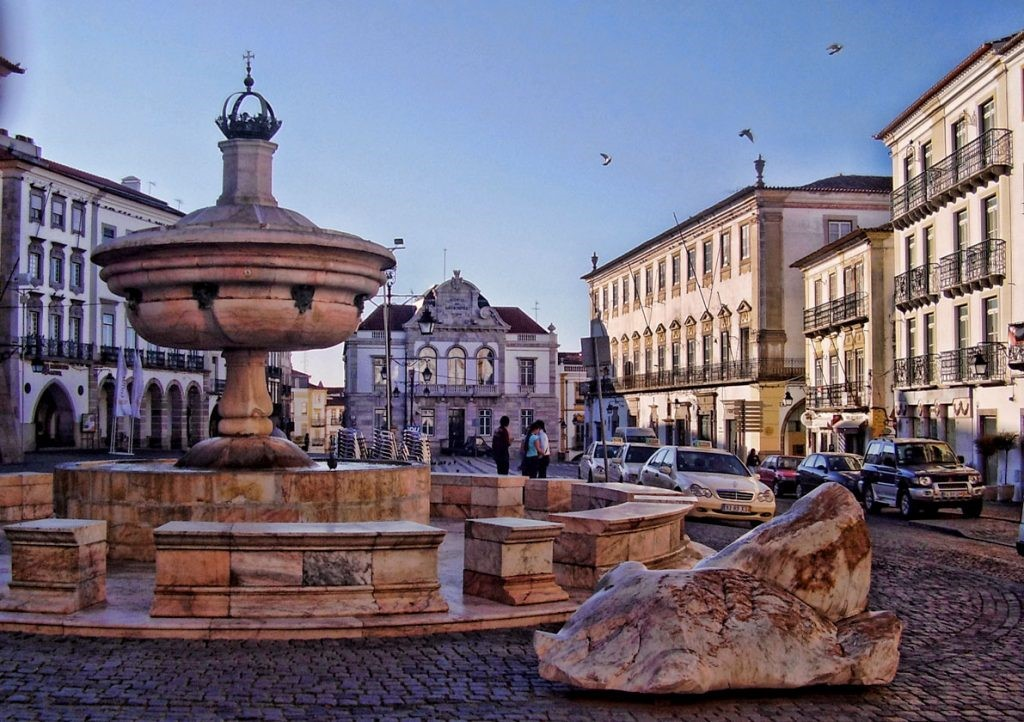 Thành phố Evora Bồ Đào Nha xinh đẹp quyến rũ