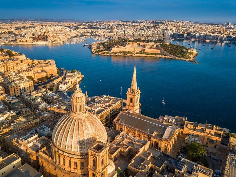 Chính phủ Malta cam kết thời gian xử lý hồ sơ chỉ trong 6-8 tháng, nhằm tăng hiệu quả chương trình MPRP so với chương trình thường trú nhân Malta trước đây.