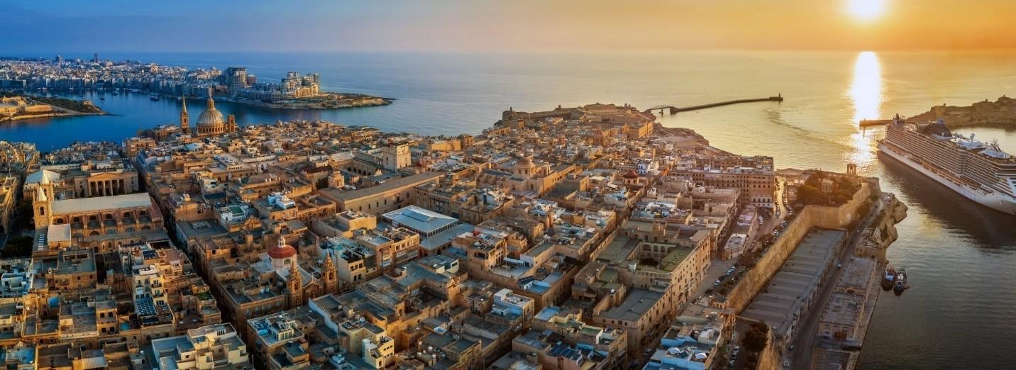 Thường trú nhân Malta là chương trình chấp thuận hồ sơ trước, đầu tư sau. Đây là chương trình hiếm hoi dành cho gia đình 04 thế hệ đi cùng nhà đầu tư chính.