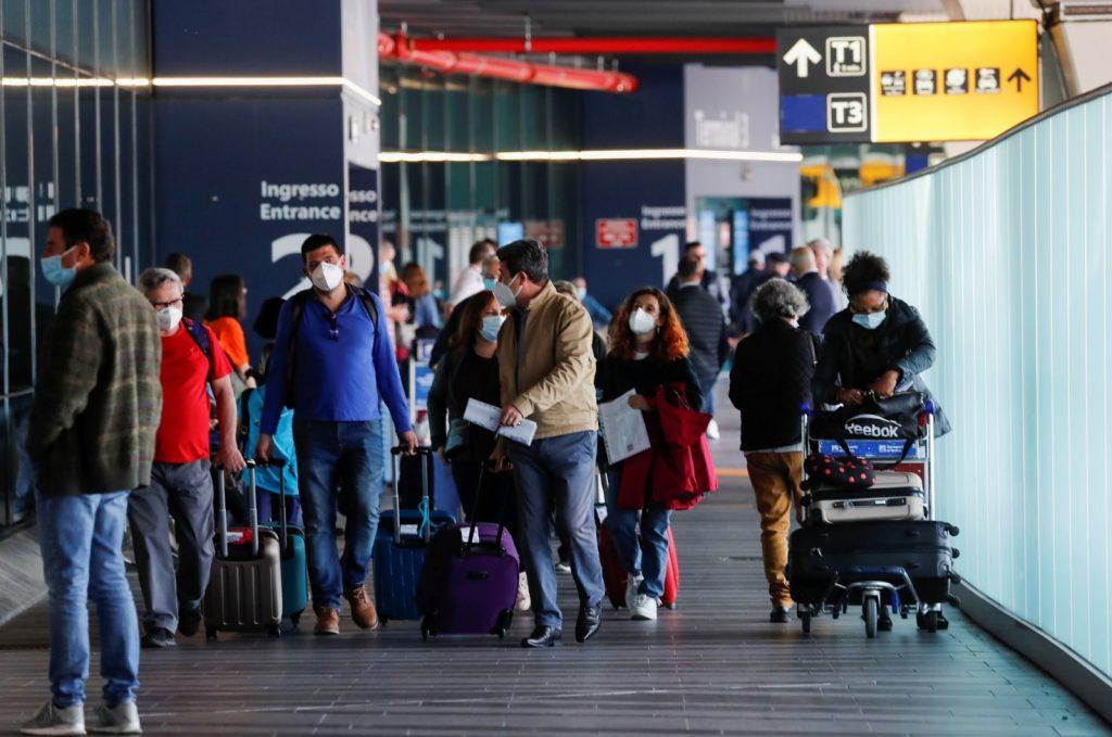 EU đồng ý mở cửa cho du khách được tiêm chủng vắc-xin Covid-19 đầy đủ