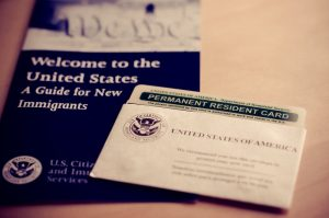 giữ thẻ thường trú nhân Hoa Kỳ