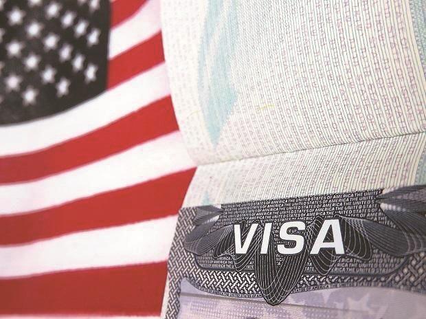 Quyết định sẽ giúp giảm bớt các rào cản đối với nhập cư hợp pháp, chắc chắn sẽ có tác động lớn nhất đối với các nhà đầu EB-5