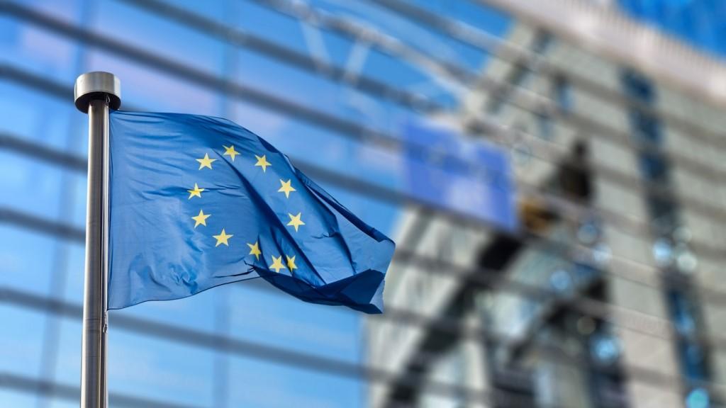 Theo quy định mới, thuế giá trị gia tăng được áp lên mọi giao dịch mua hàng trực tuyến với người bán ngoài lãnh thổ EU, bất kể giá trị ra sao