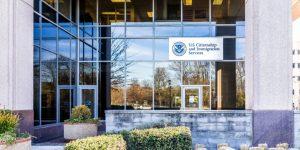 USCIS sẽ không chấp nhận các đơn I-526 mới nhưng vẫn chấp thuận đơn I-829 như bình thường